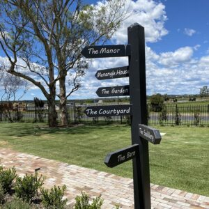 Menangle Country Club: good food, beer's cold and garden in full bloom